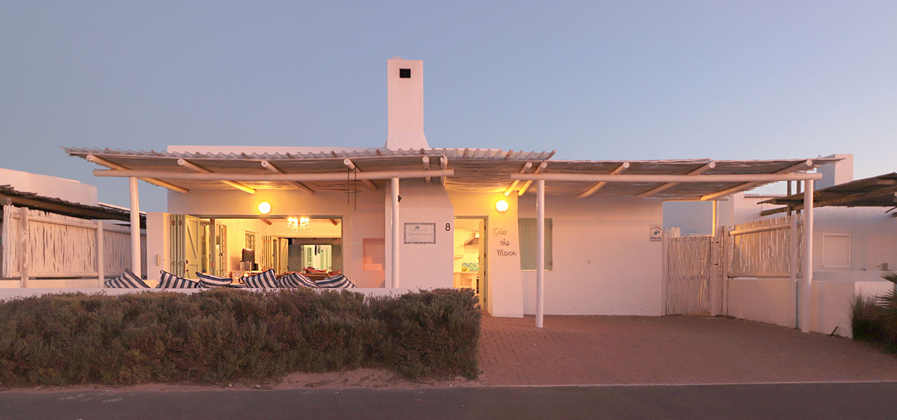 Over The Moon, paternoster self-catering accommodation, 4 Bedrooms, book self catering accommodation, western cape, west coast accommodation, paternoster accommodation