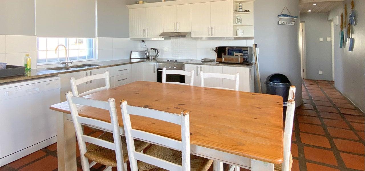 Albatros, paternoster self-catering accommodation, 3 Bedrooms, book self catering accommodation, western cape, west coast accommodation, paternoster accommodation