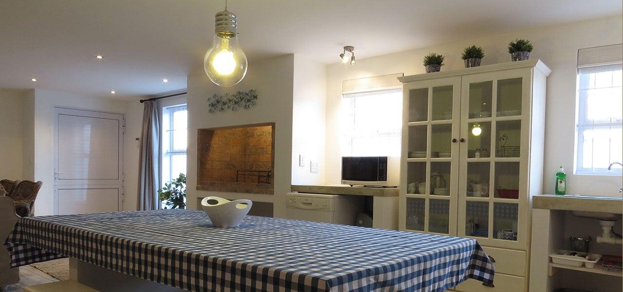 Bakvissie, paternoster self-catering accommodation, 2 Bedrooms, book self catering accommodation, western cape, west coast accommodation, paternoster accommodation