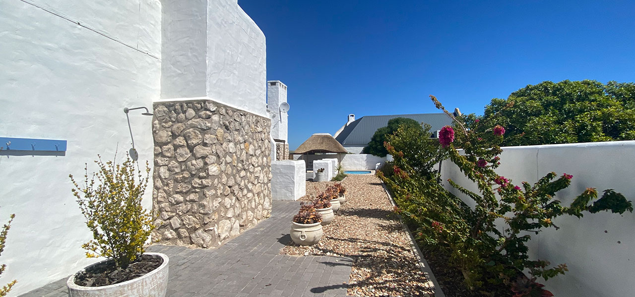 Dreamcatcher - Rosemary, paternoster self-catering accommodation, 1 Bedroom, book self catering accommodation, western cape, west coast accommodation, paternoster accommodation
