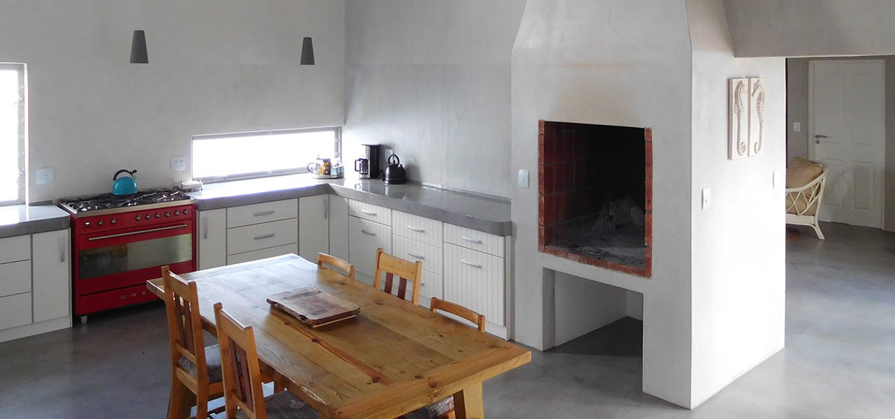 Chocolate Seahorse, paternoster self-catering accommodation, 3 Bedrooms, book self catering accommodation, western cape, west coast accommodation, paternoster accommodation