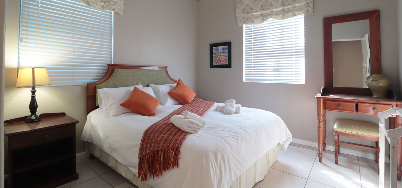 Duintjie, paternoster self-catering accommodation, 3 Bedrooms, book self catering accommodation, western cape, west coast accommodation, paternoster accommodation