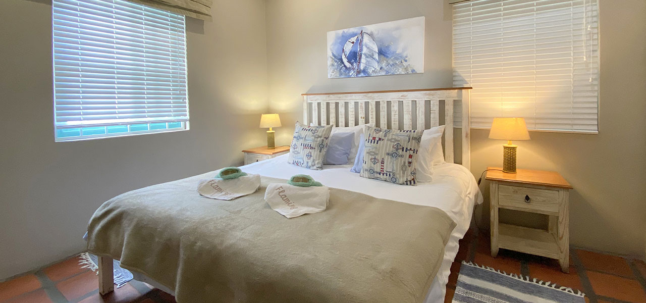 Flamingo, paternoster self-catering accommodation, 2 Bedrooms, book self catering accommodation, western cape, west coast accommodation, paternoster accommodation