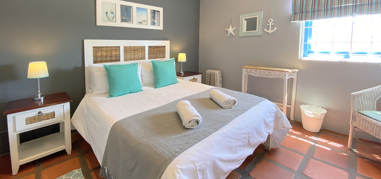 Kiewiet, paternoster self-catering accommodation, 6 Bedrooms, book self catering accommodation, western cape, west coast accommodation, paternoster accommodation